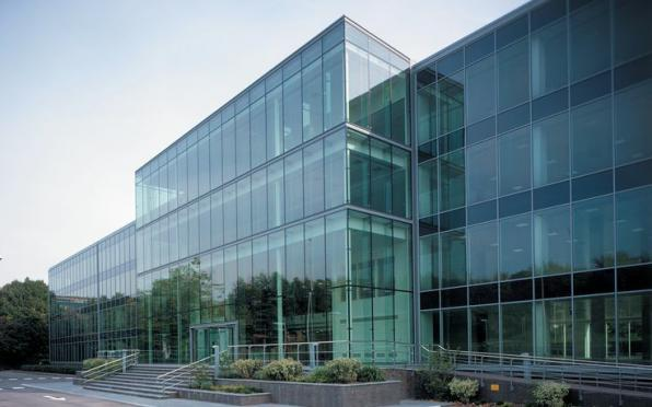 What is pressure plate in curtain wall?